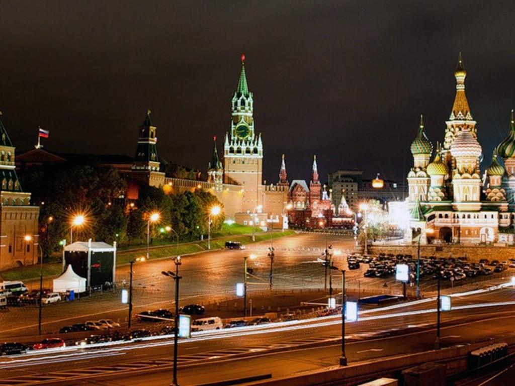 moscow-night-kremlin-1024x768