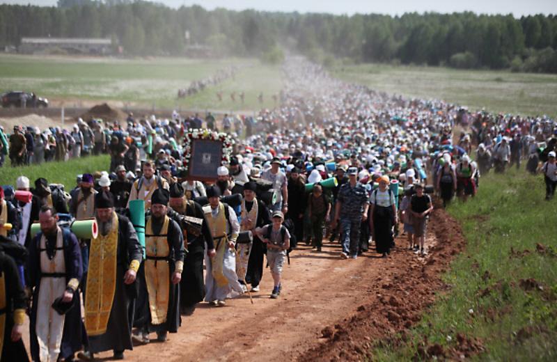 The 60 mile long Kirov Oblast Orthodox Church Procession